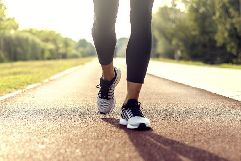 Entre marche et yoga, il n'y a qu'un pas!